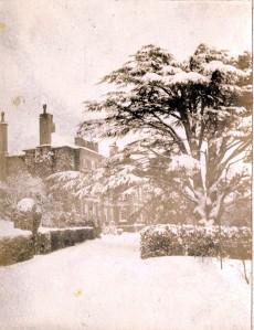 Trefor Hall yn yr eira, tua 1890